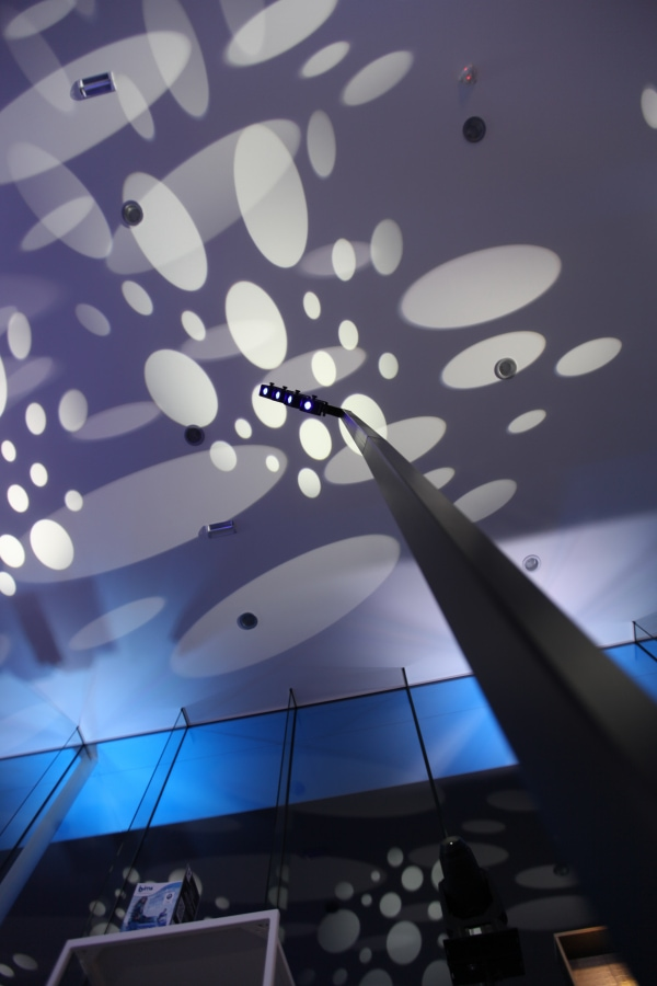 Perche lumineuse MGS pour éclairage de voitures lors de vos événements