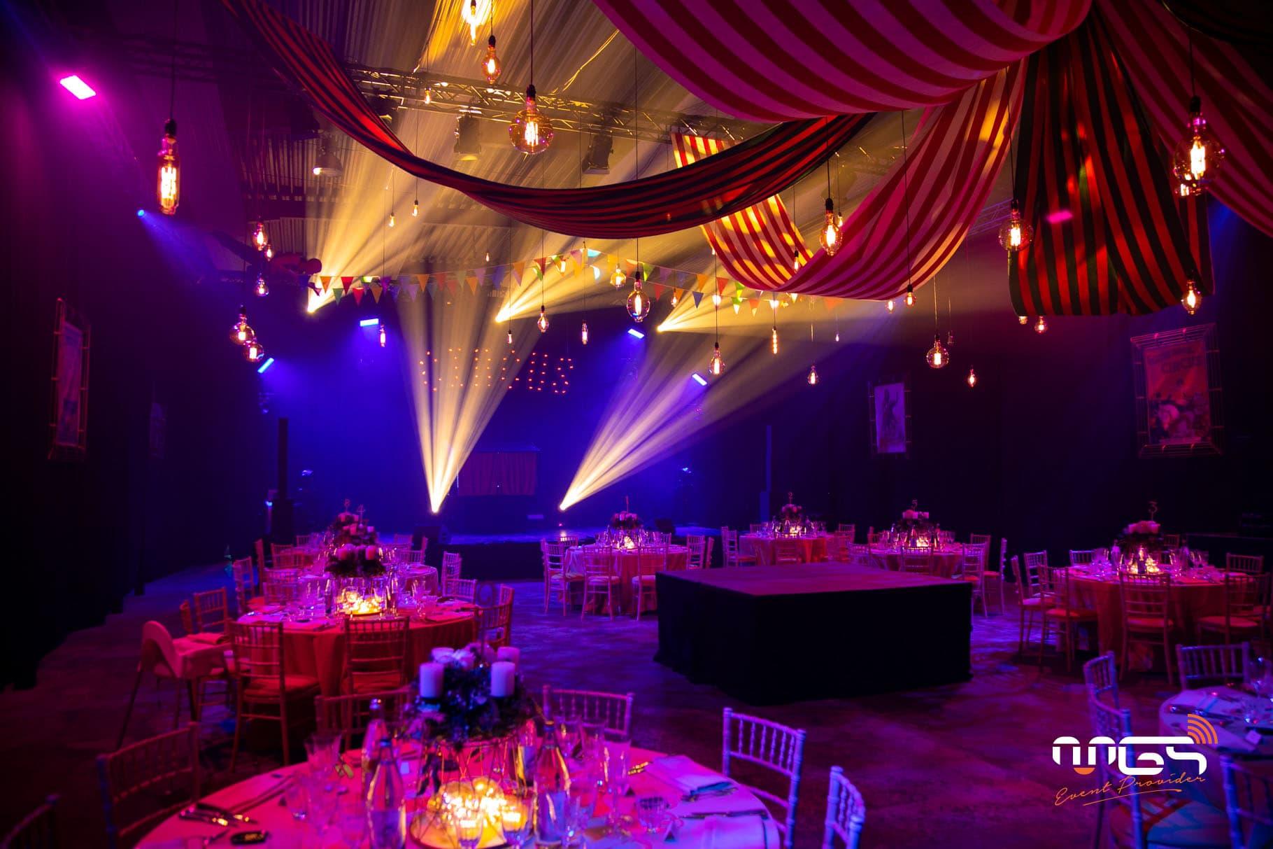 Eclairage d'ambiance et sonorisation mise en place par MGS pour CPPE grâce aux ampoules incandescentes